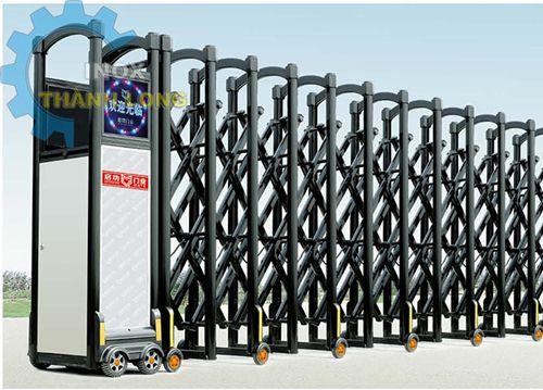 Thi Công Cổng Xếp Điện Inox Với Giá Cạnh Tranh Và Uy Tín